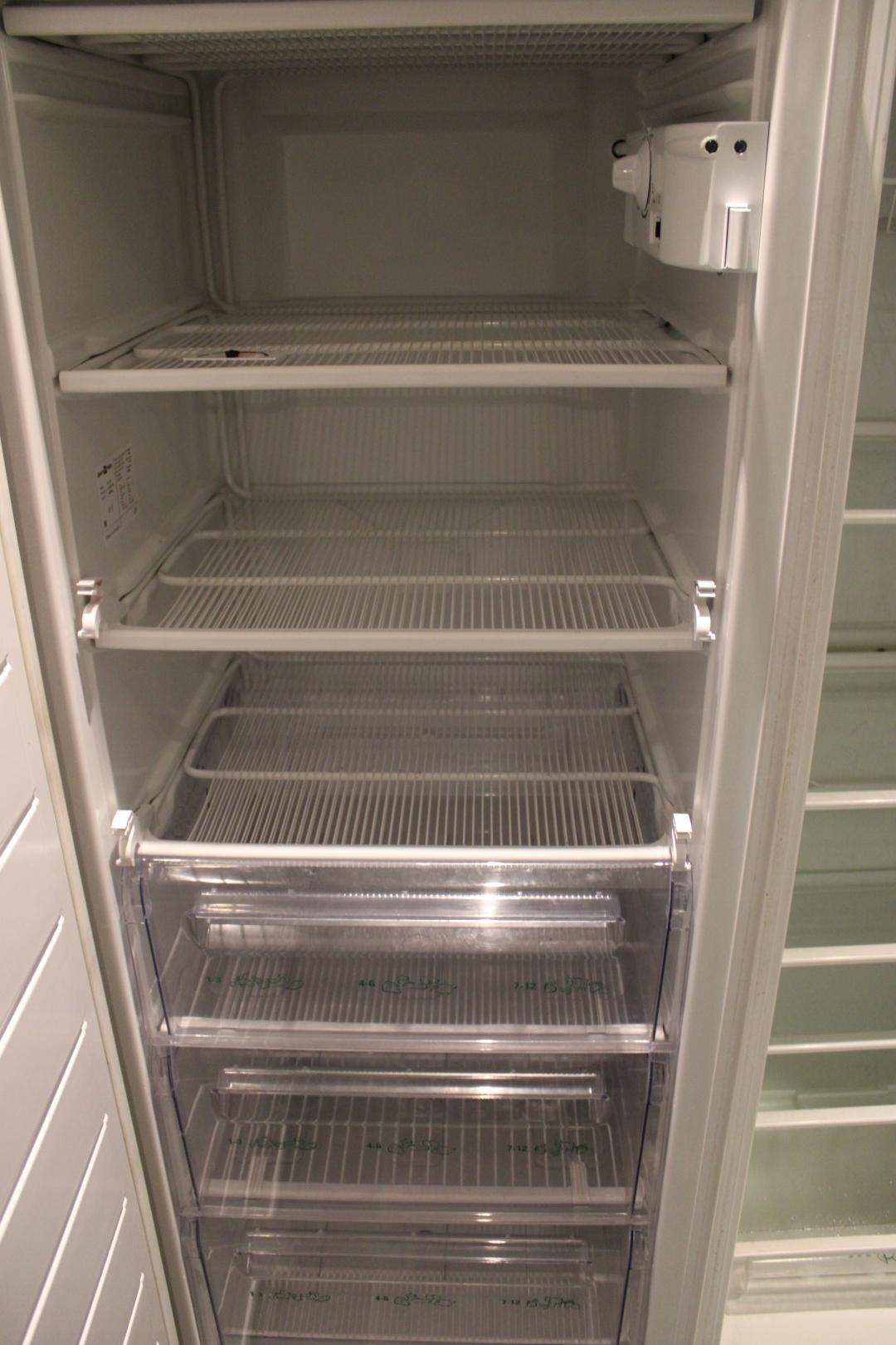 elektro helios kylskåp