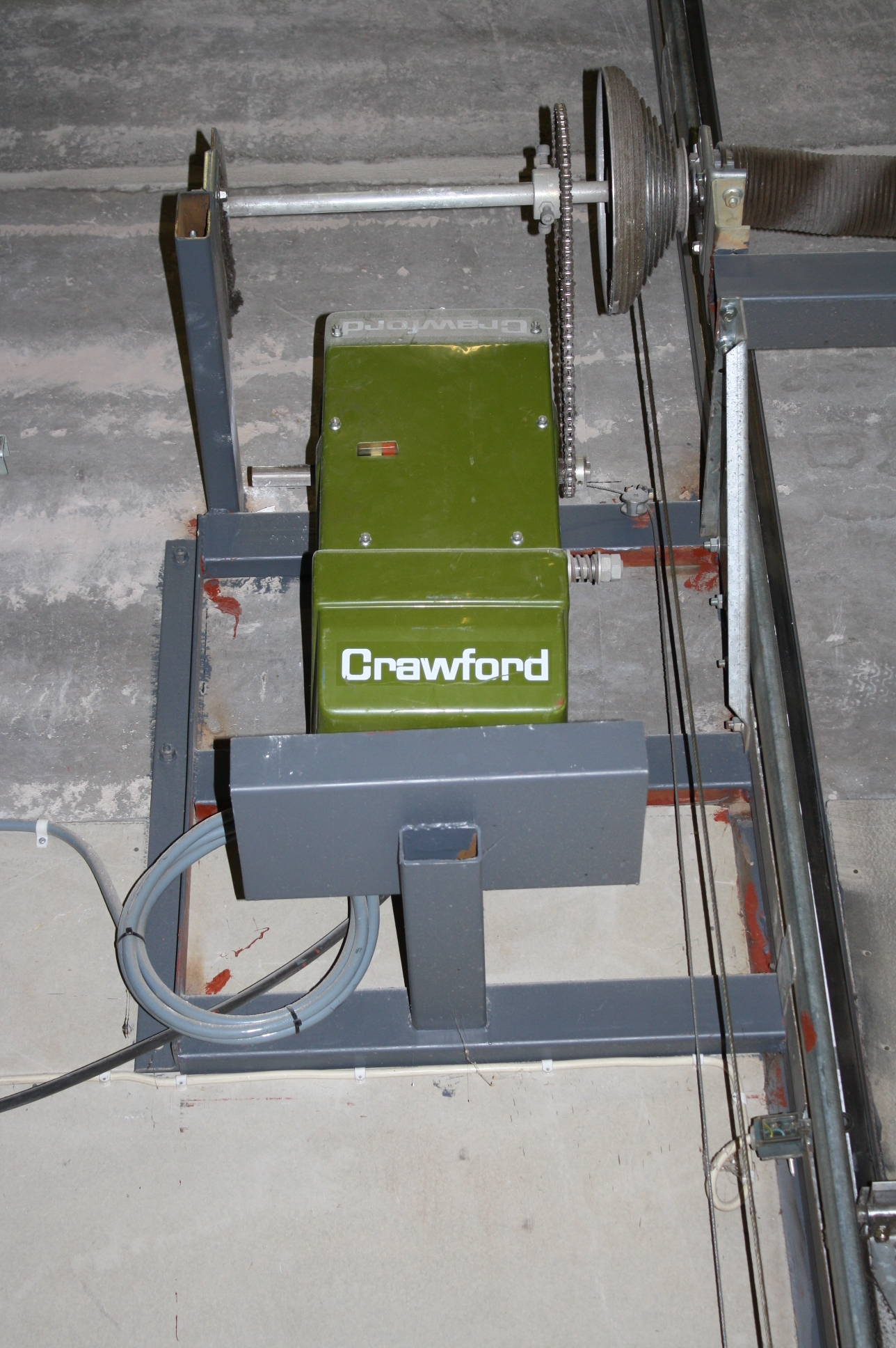 Previous; Next & Crawford door with a motor - PS Auction