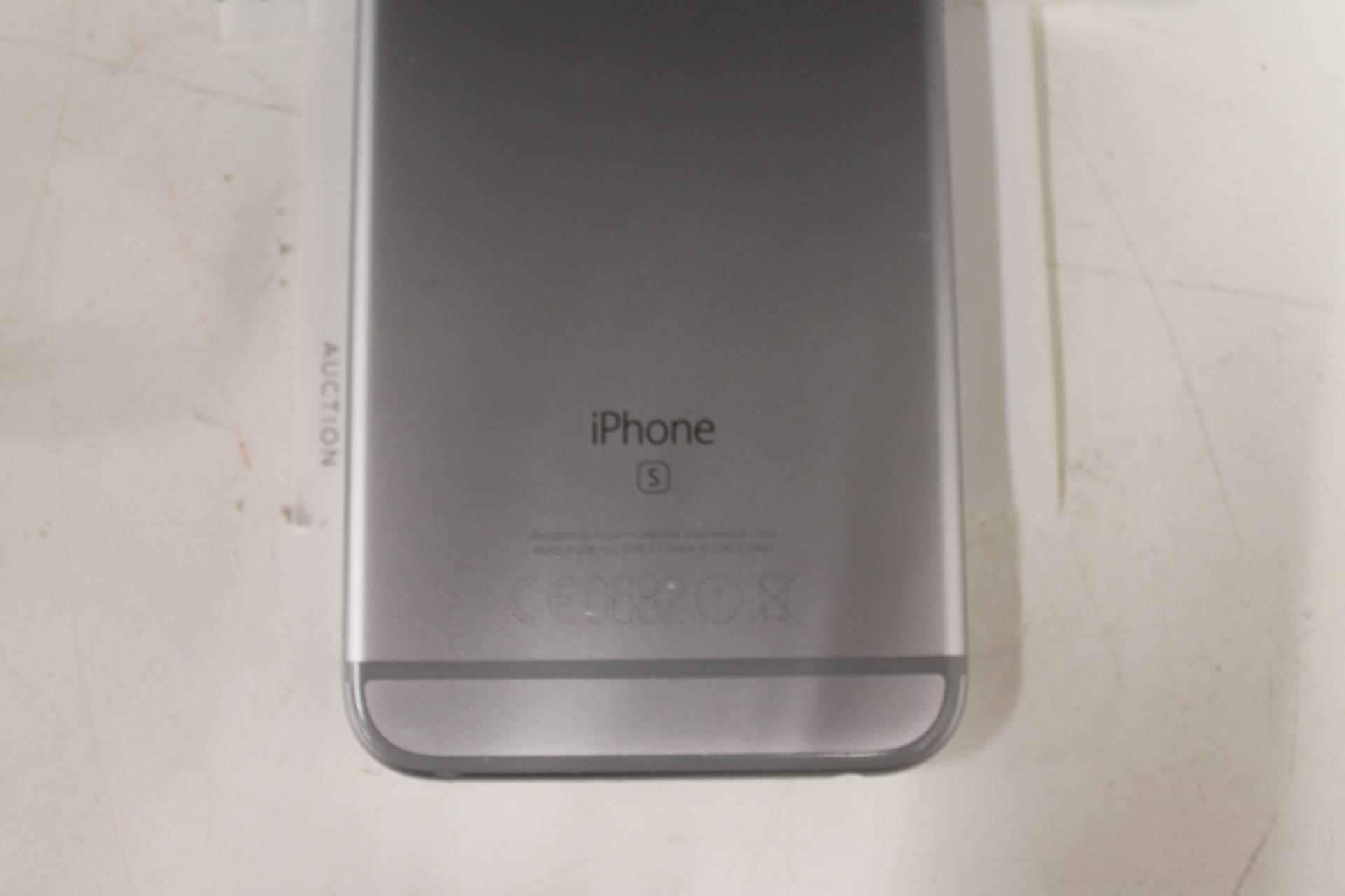 iPhone 6s med laddare Nätauktioner & Konkursauktioner