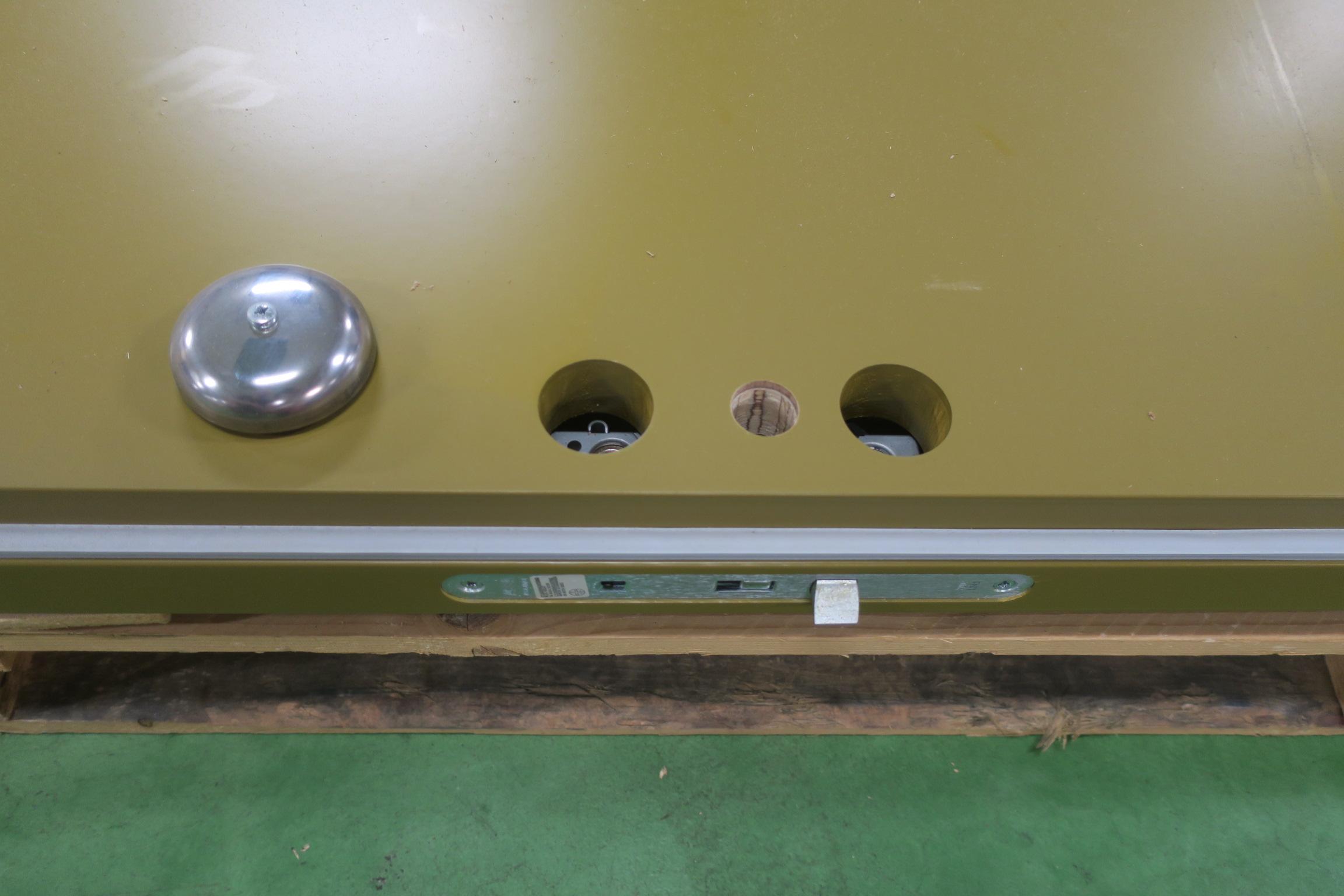 Previous; Next & Massive inner door Dooria 10x21 Left - PS Auction