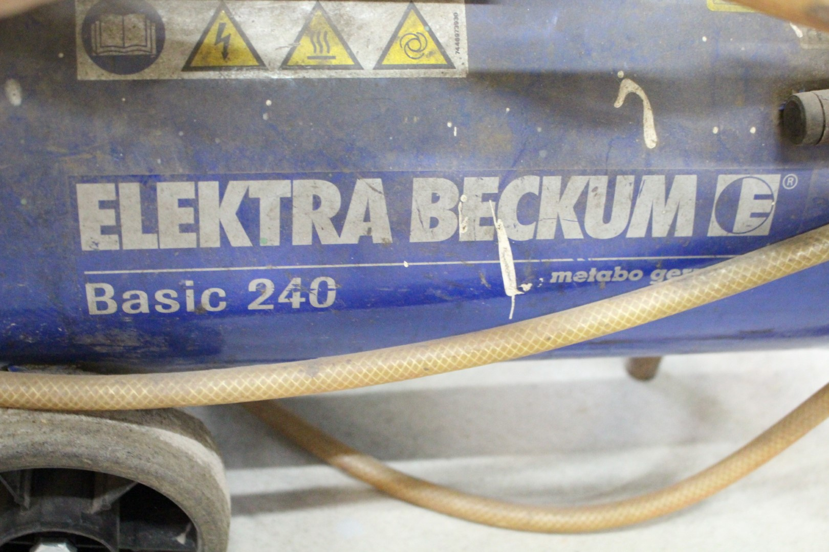 kompressor elektra beckum basic 240 ps auction. Black Bedroom Furniture Sets. Home Design Ideas